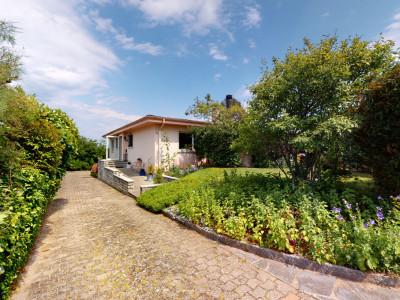 Superbe villa individuelle avec piscine intérieure et vue sur le lac image 1