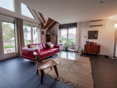 Bel attique à Mies image 1