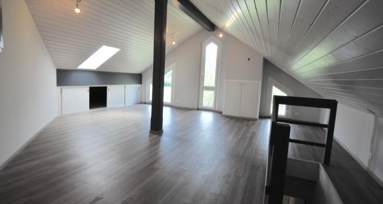 Bel attique sans vis-à-vis de 5,5 pièces idéalement situé à Duillier  image 2