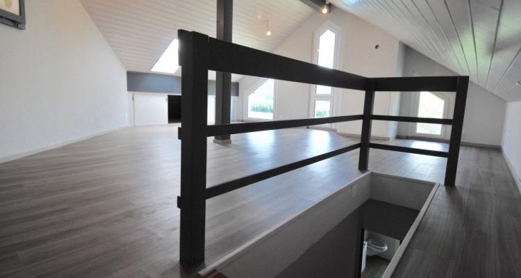 Bel attique sans vis-à-vis de 5,5 pièces idéalement situé à Duillier  image 3