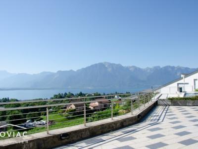 Splendide 4,5 pièces avec vue dégagée sur le lac et les montagnes image 1