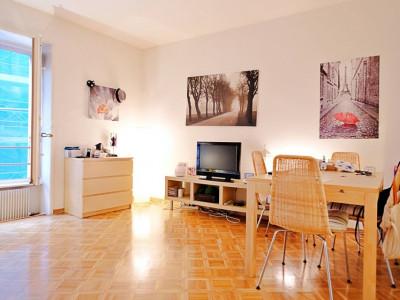 Magnifique studio meublé // vieille ville image 1