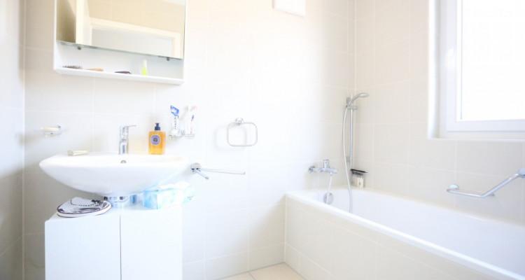 Splendide 4,5 pièces / 3 chambres / 2 salles de bains / Balcon 13m2 image 4