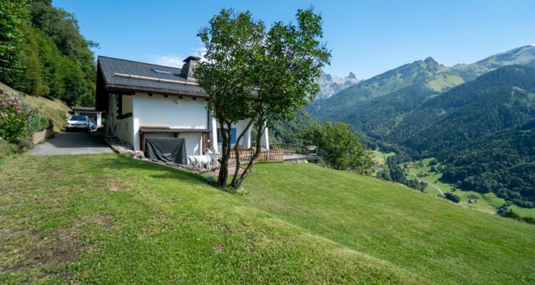 Gryon Immo vous propose un joli chalet rénové avec grand terrain et une magnifique vue  image 6