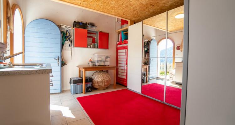 Gryon Immo vous propose un joli chalet rénové avec grand terrain et une magnifique vue  image 12
