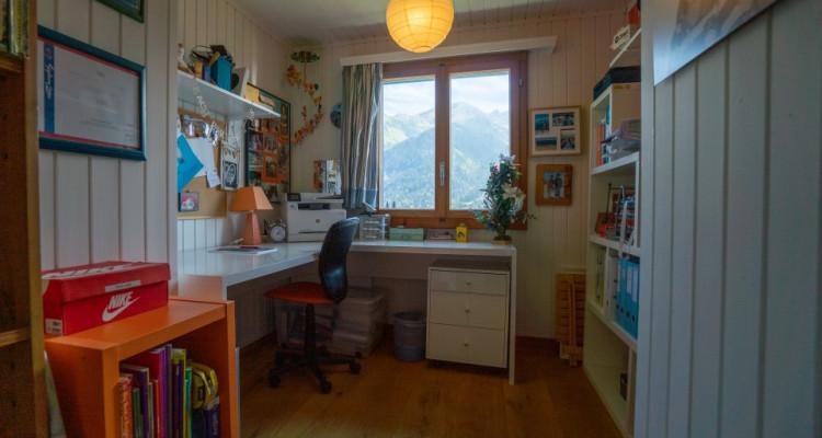 Gryon Immo vous propose un joli chalet rénové avec grand terrain et une magnifique vue  image 14