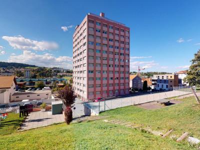 Bel appartement rénové à La Chaux-de-Fonds! image 1