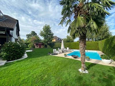 Superbe villa avec piscine // 6.5 pièces // 4 chambres // Jardin image 1