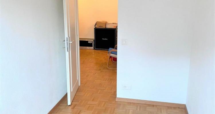 Très bel et grand appartement de 4 pièces au Grand-Lancy image 6