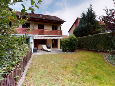 Grosszügiges Reiheneinfamilienhaus mit schöner Weitsicht image 1
