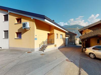 Maison villageoise avec carnotzet et mezzanine image 1