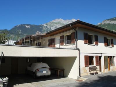 Vétroz, villa avec appartement à létage et/ou  locaux au rez pour indépendants image 1