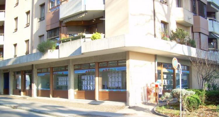 Bureau - Arcade commerciale proche de la gare et du centre de Nyon image 1