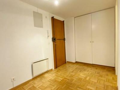 Charmant appartement 6,5 pièces au Vieux-Carouge    image 1