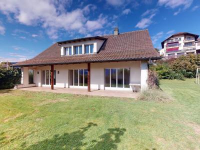 Belle maison avec vue sur le lac et les montagnes à Saint-Légier image 1