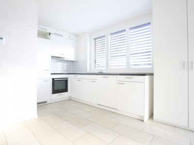 A SAISIR / Splendide 3,5 pièces / 65m2 / 2 chambres / Balcon / Garage image 1