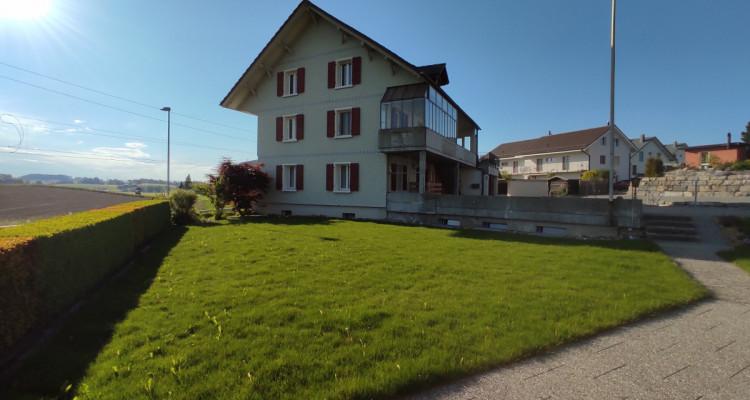 Gepflegtes Generationenhaus mit familienfreundlichem Aussenbereich image 5