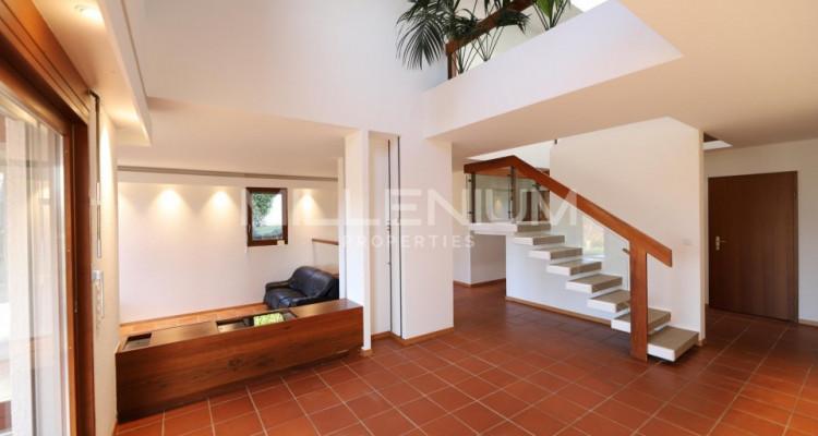 Belle maison darchitecte de 7 pièces à Anières image 4