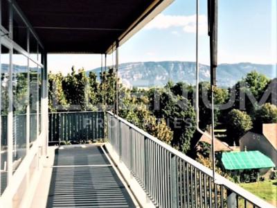 Bel appartement rénové 5 P au Petit Saconnex. image 1