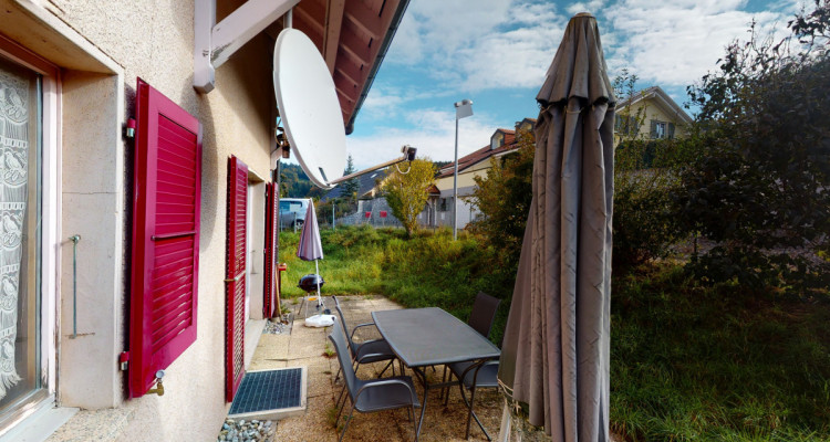 Maison jumelée avec grand jardin à Vauderens image 3