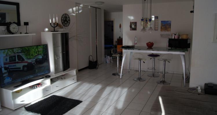 Très bel appartement de 4,5 pièces, proche des écoles et commerces, au calme image 2