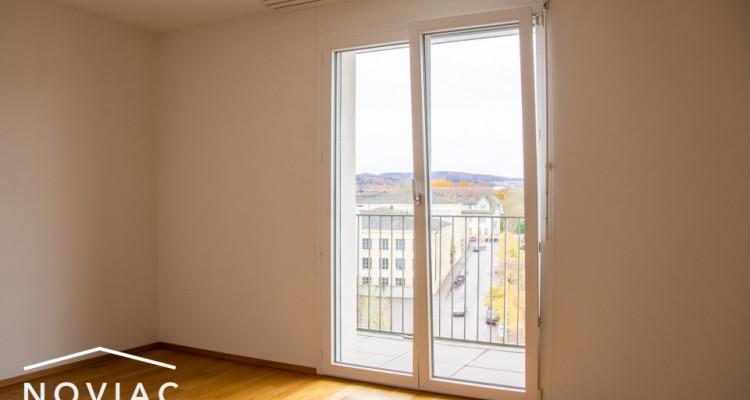 Splendide 3.5 pièces, moderne, en attique, avec balcon image 5