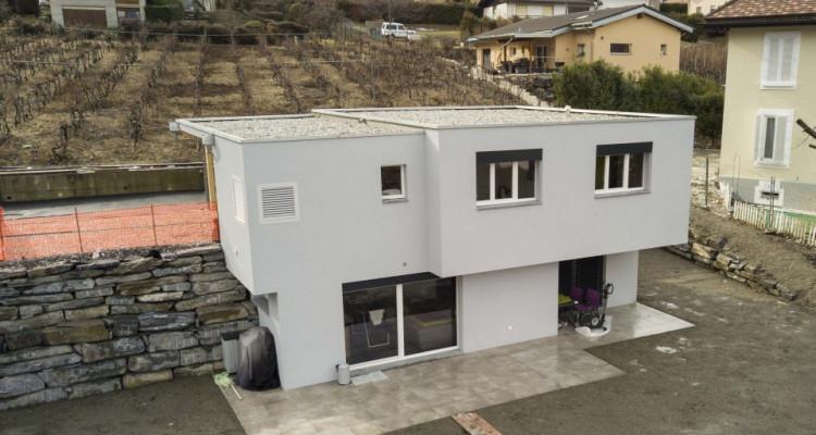 PLUS QUUNE ! Villa moderne et contemporaine spacieuse avec une belle vue image 1