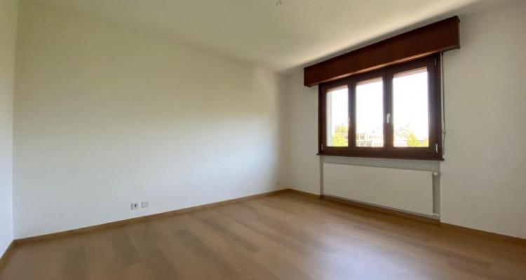 VISITE 3D // Magnifique 4,5 pièces en attique - Large Balcon - Box  image 4