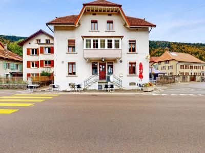 Deux immeubles avec restaurant actif et 5 appartements loués ! image 1