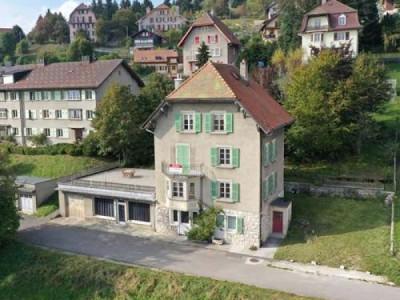 Fort potentiel ! maison de village de 4 appartements. image 1