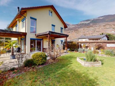Grande maison familiale avec jardin et jacuzzi image 1