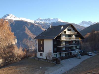 Duplex proche de pistes de ski image 1
