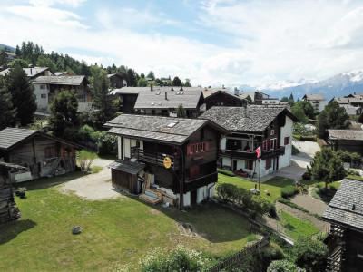 Maison de charme avec raccard au centre du village de Vercorin image 1