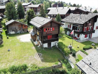 Maison de charme avec deux appartements - centre du village  image 1