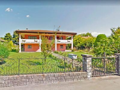FOTI IMMO - Maison individuelle de 6,5 pièces + appartement de 3,5 pièces. image 1
