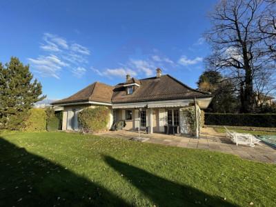 Belle maison individuelle de 6 pièces avec un grand jardin et piscine image 1