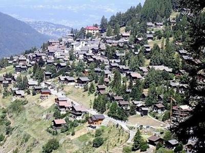 Station de ski St-Luc, 2 lots à vendre. image 1
