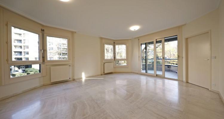 3D // Magnifique appartement de 3 p  / 1  chambres / 1 SDB / Balcon image 1