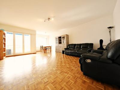 VISITE 3D / Bel appartement 4.5 p / 3 chambres / SDB / balcon avec vue image 1