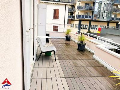2,5 pièces meublé et équipé - Grande terrasse de 18m2 - Centre ville  image 1
