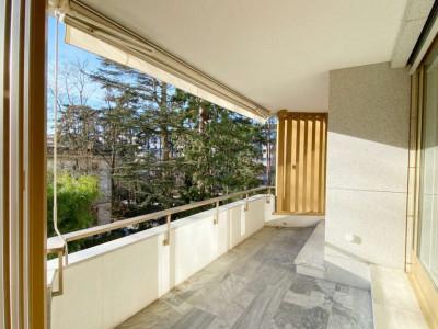Bel appartement de standing avec balcon           image 1