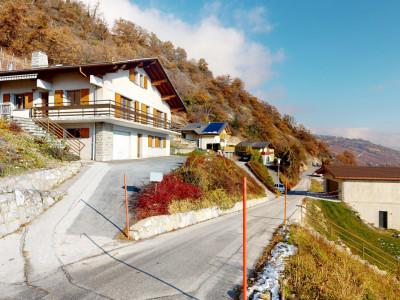 Superbe maison avec vue sur les montagnes image 1
