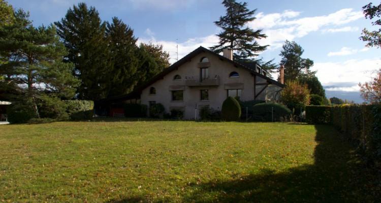 Propriété avec deux maisons individuelles sur 4006m2 de terrain en zone agricole. image 1