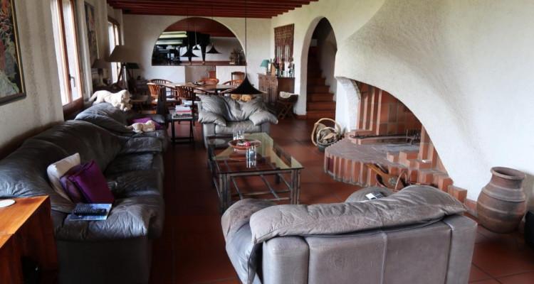 Propriété avec deux maisons individuelles sur 4006m2 de terrain en zone agricole. image 7