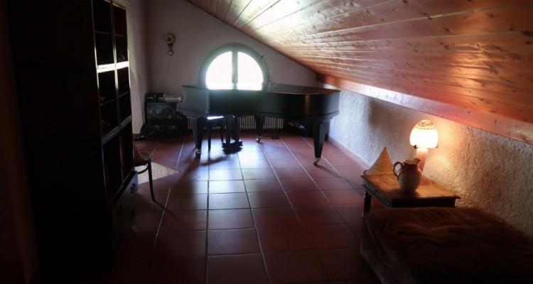 Propriété avec deux maisons individuelles sur 4006m2 de terrain en zone agricole. image 13