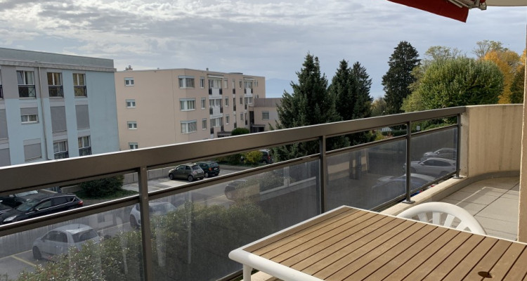 Magnifique 4,5p / 3 chambres / Terrasse - Jardin commun et piscine image 2