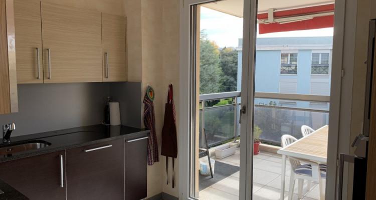 Magnifique 4,5p / 3 chambres / Terrasse - Jardin commun et piscine image 6
