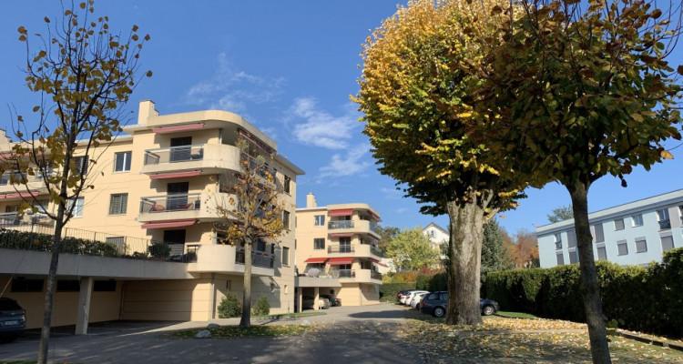 Magnifique 4,5p / 3 chambres / Terrasse - Jardin commun et piscine image 14