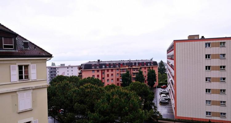 Magnifique appart 2,5 p / 1 chambre / 1 SDB / balcon avec vue lac image 5