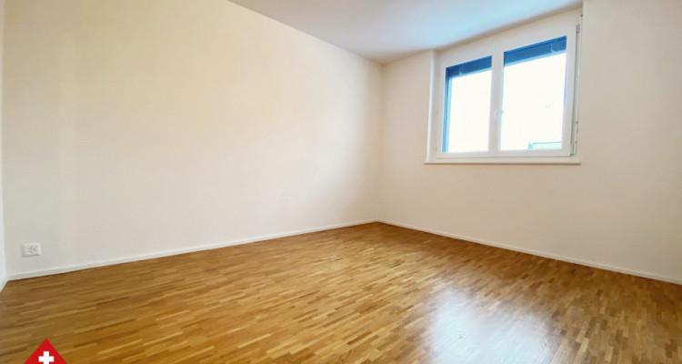 VISITE 3D / Magnifique appartement 3.5 p / 2 chambres / SDB / Balcon image 5